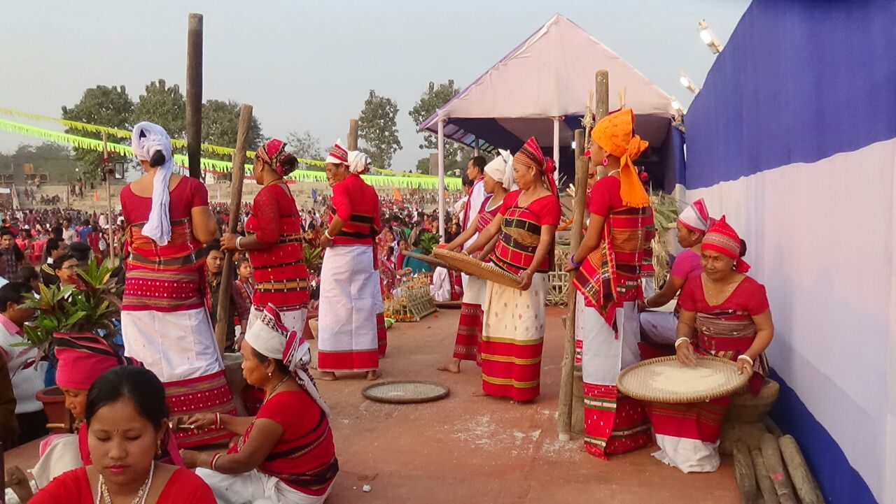 Live demonstration how to wind the husk of rice during Tripura Tribal Festival, 2016