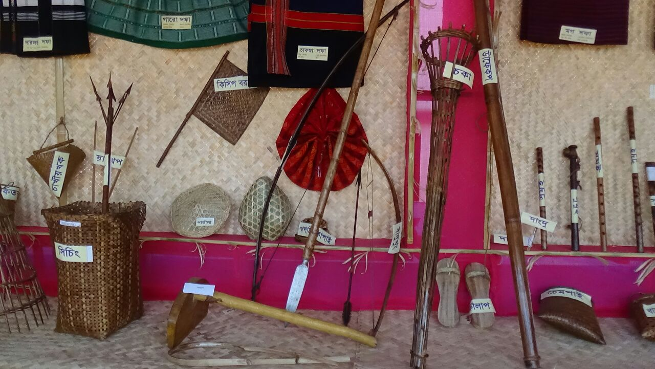 Traditional dress & fishing traps